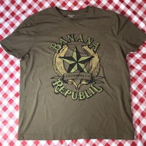 Banana Republic T-shirt size XL